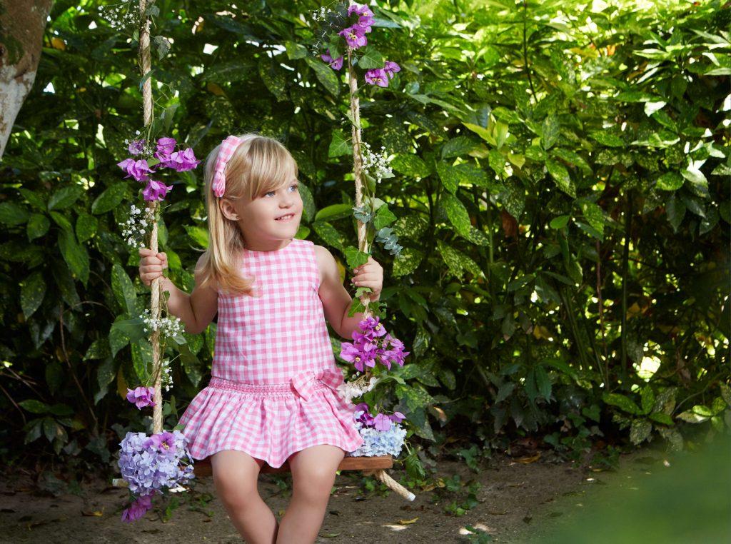 vestido-infantil-a-cuadros-con-lazo-coleccion-paz-rodriguez-verano-2017
